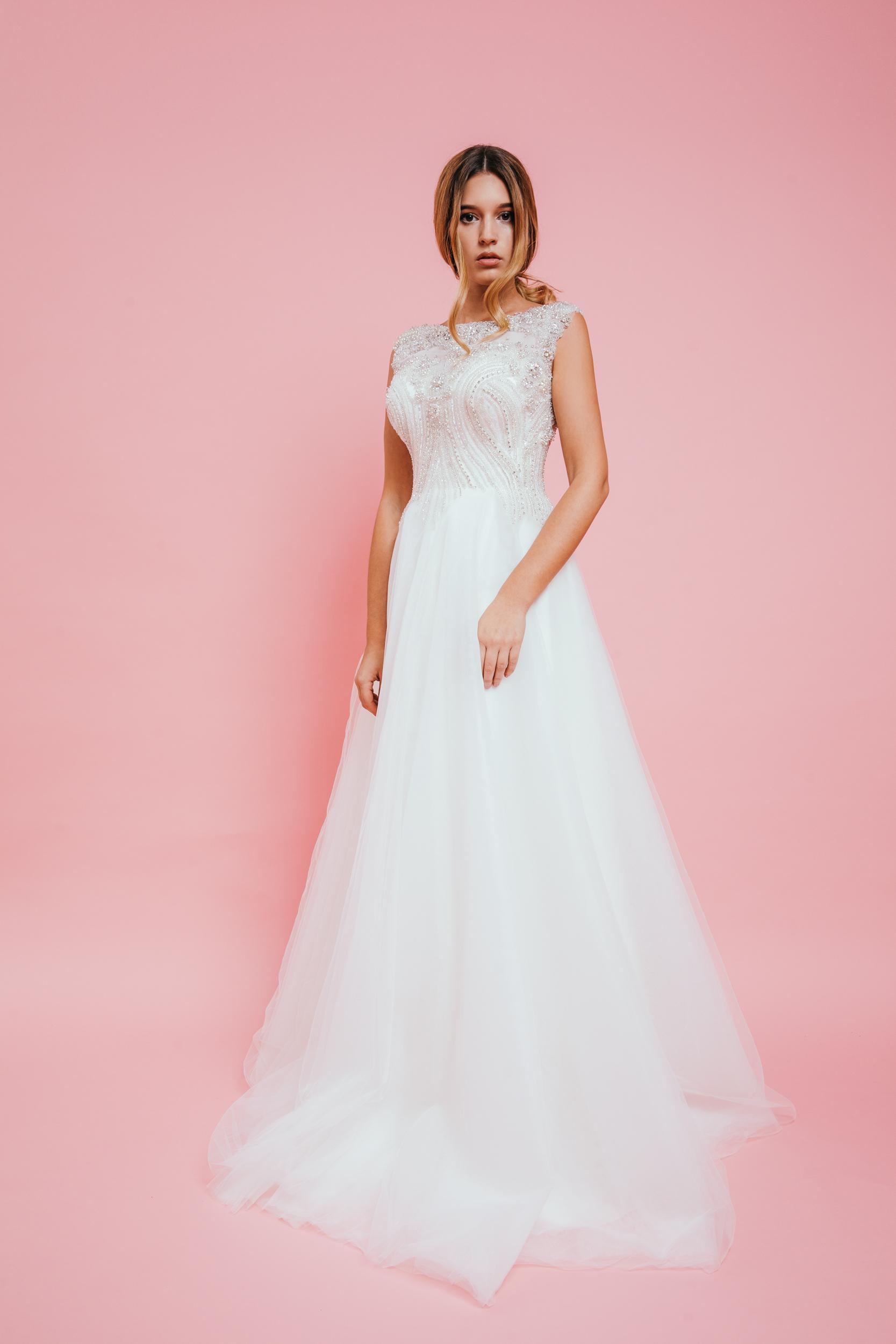 APRIL – Menyasszonyi Ruha 6d181be984