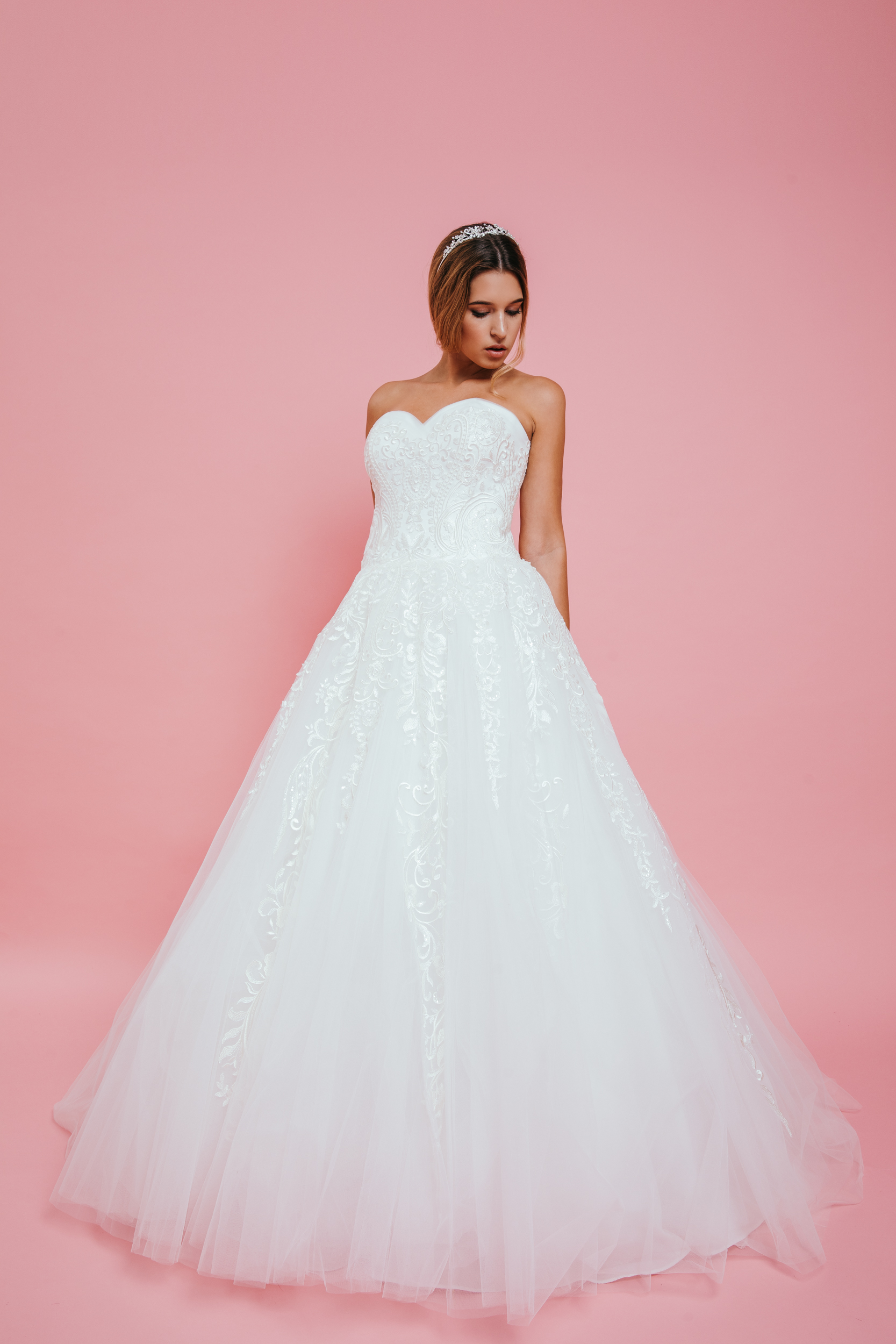 ABIGEL – Menyasszonyi Ruha 5a898458c5