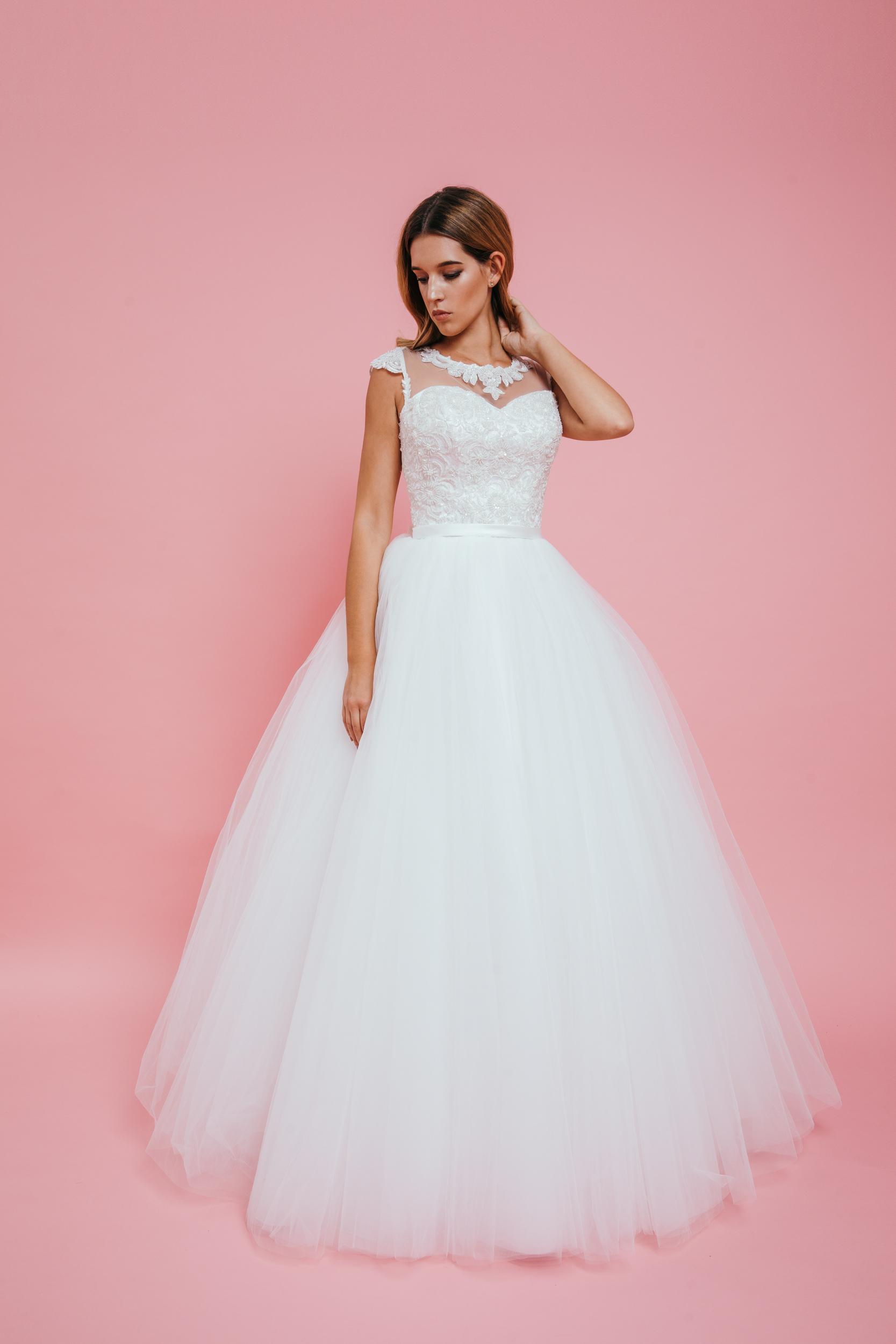 AMELIE – Menyasszonyi Ruha e55376ee99