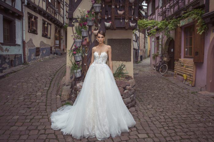 Dominiss báli fazonú esküvői ruha