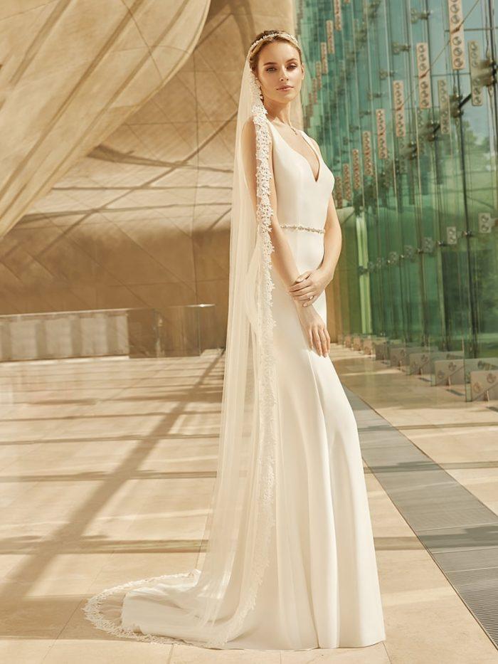 Calva menyasszonyi ruha