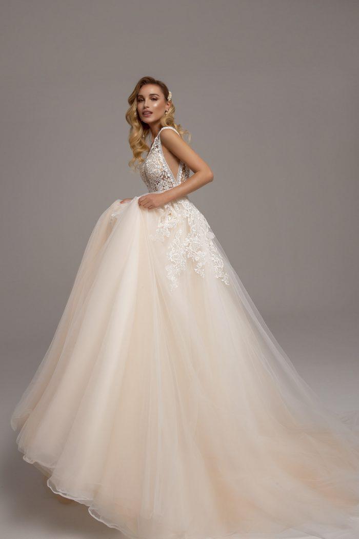 Laura Esküvői Ruha - Tina Valerdi